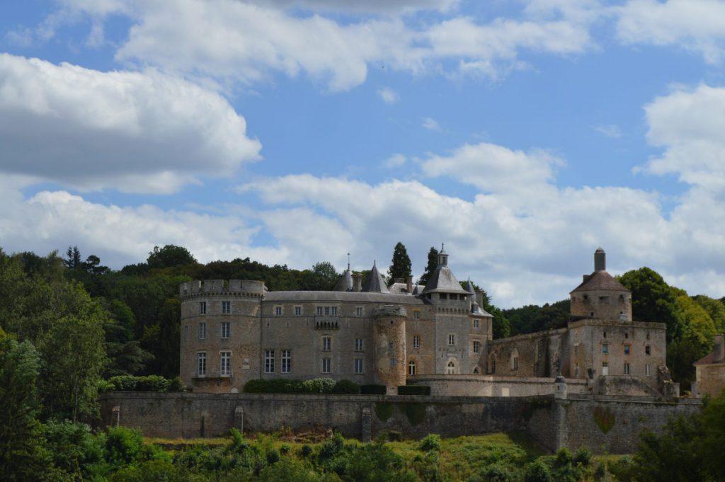 Château Chastellux in de Morvan
