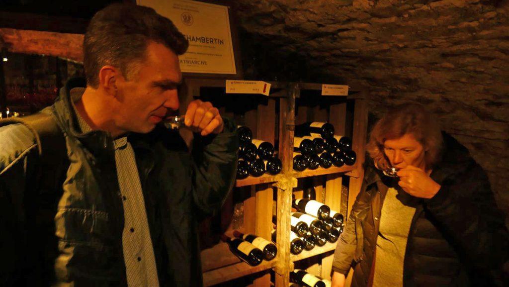 Wijnproeven Caves de Patriarche in Beaune